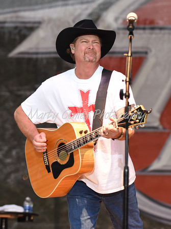 2016 Tracy Lawrence