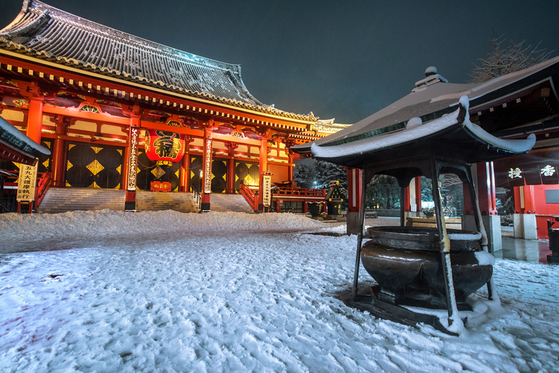 Snow on Senso-ji Temple