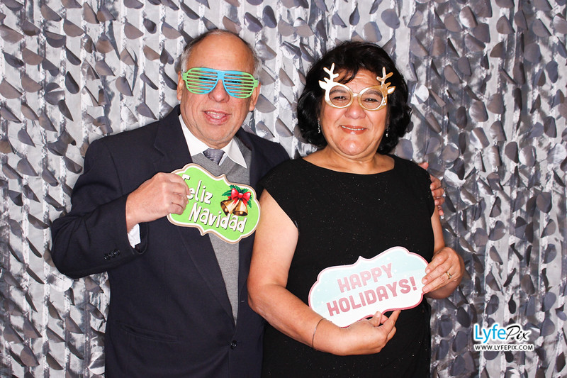 red-hawk-2017-holiday-party-beltsville-maryland-sheraton-photo-booth-0076.jpg