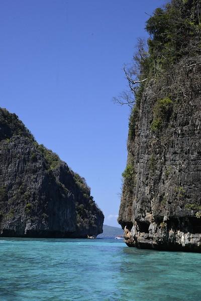 _DG17499-12R Phi Phi Island.JPG