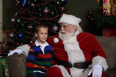 Santa Photos Fri 1115am to 12noon