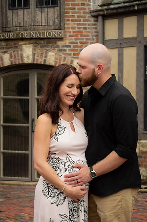 Fred & Crystal's Maternity Portraits - August 2019