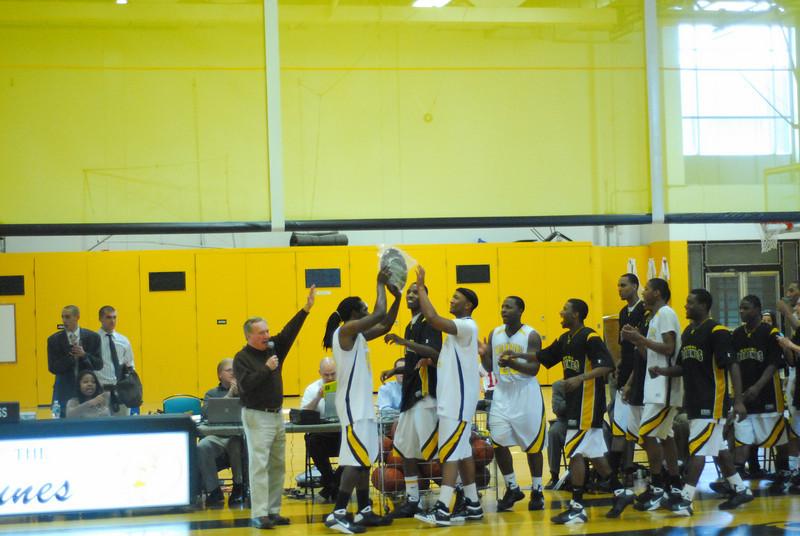 20090301_MCC Basketball_5729.JPG
