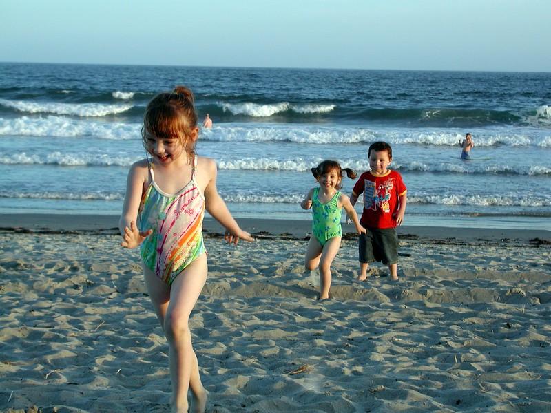 Grandchildren Week 2006......  Beach 040.jpg