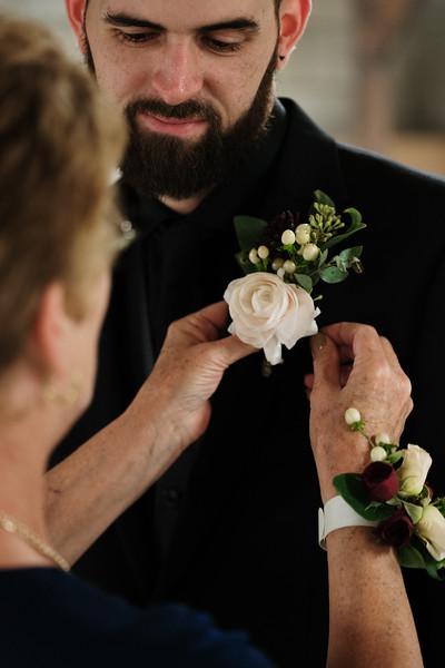 rustic_ohio__fall_barn_wedding-193.jpg