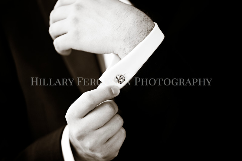 Hillary_Ferguson_Photography_Melinda+Derek_Getting_Ready332.jpg