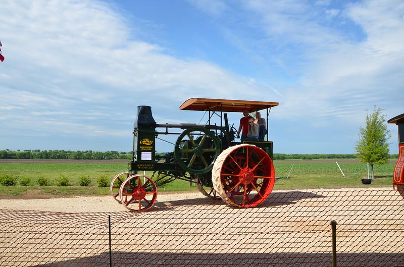 tractorcranking2016-0710.jpg