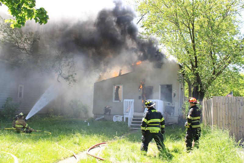 Zion Fire Dept Working Fire 019.jpg