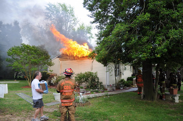 5/1/2010 Working House Fire on Tarrywyle Way in Valley Lee