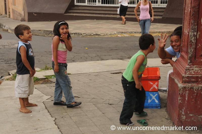 Leon, Nicaragua: Saying Hi