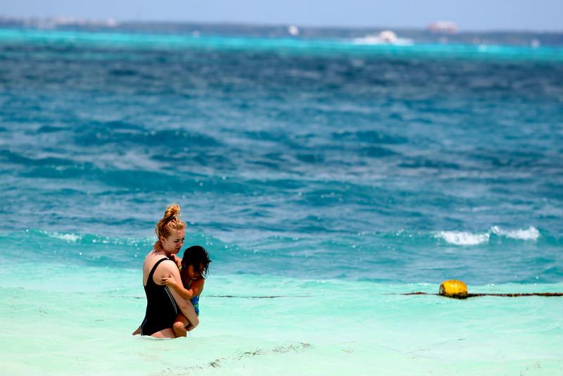 Taylor @ Beach13.jpg