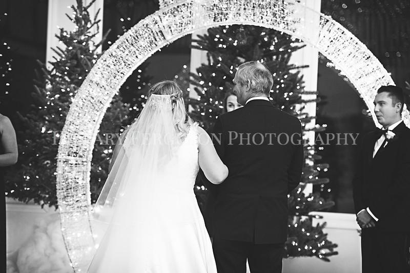 Hillary_Ferguson_Photography_Melinda+Derek_Ceremony058.jpg