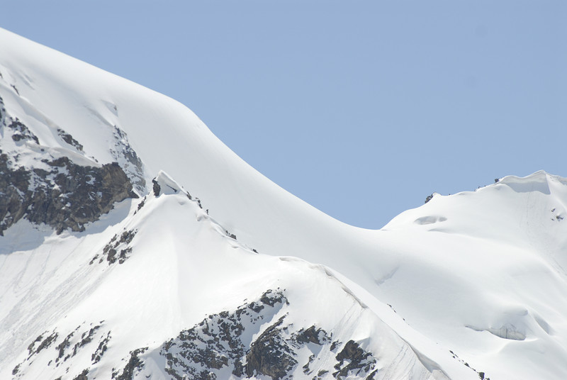 080502 2341 Russia - Mount Elbruce - Day 2 Trip to 15000 feet _E _I ~E ~L.JPG