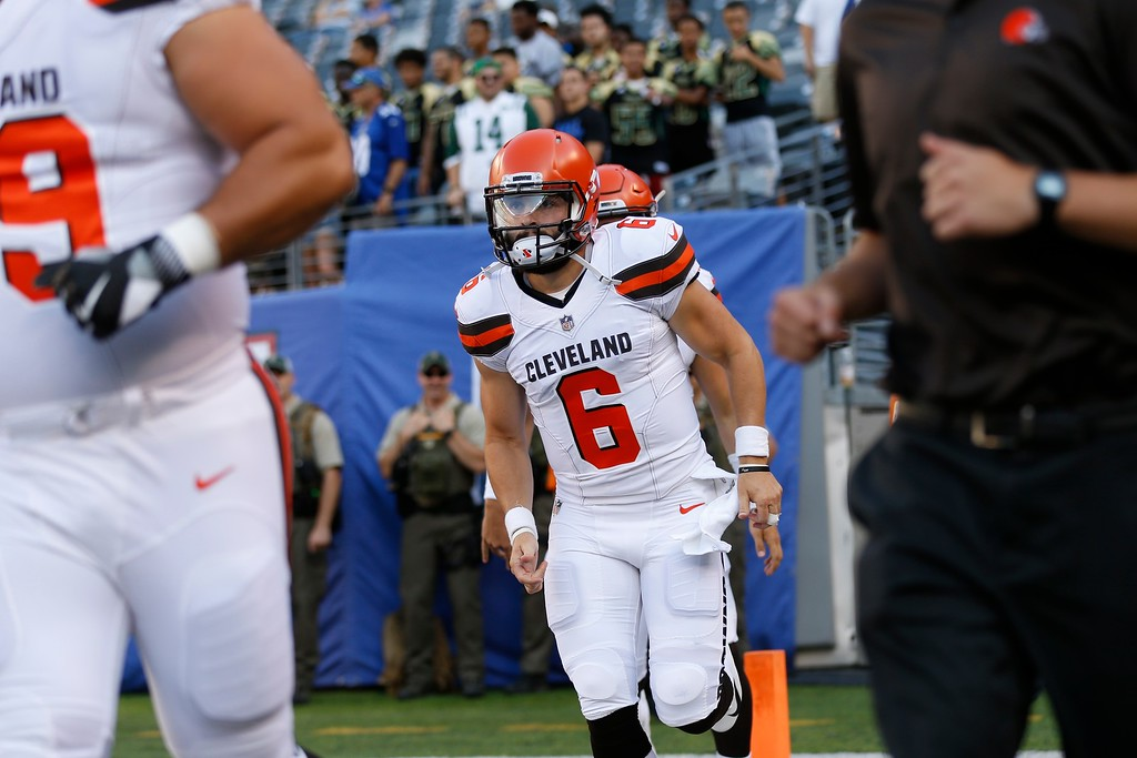 . Cleveland Browns quarterback Baker Mayfield (6) warms up before a preseason NFL football game against the New York Giants Thursday, Aug. 9, 2018, in East Rutherford, N.J. (AP Photo/Adam Hunger)