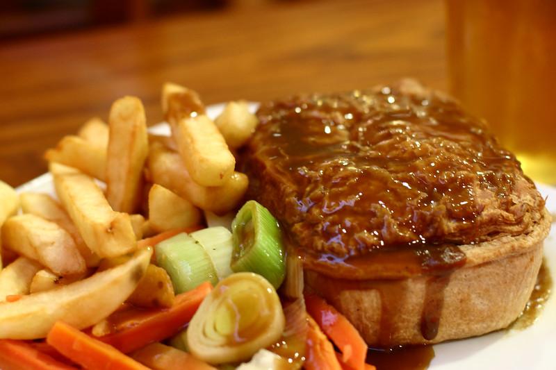 steak-and-mushroom-pie_2179571074_o.jpg