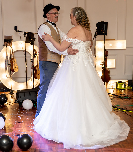Sharon and Kevin HD-397.jpg
