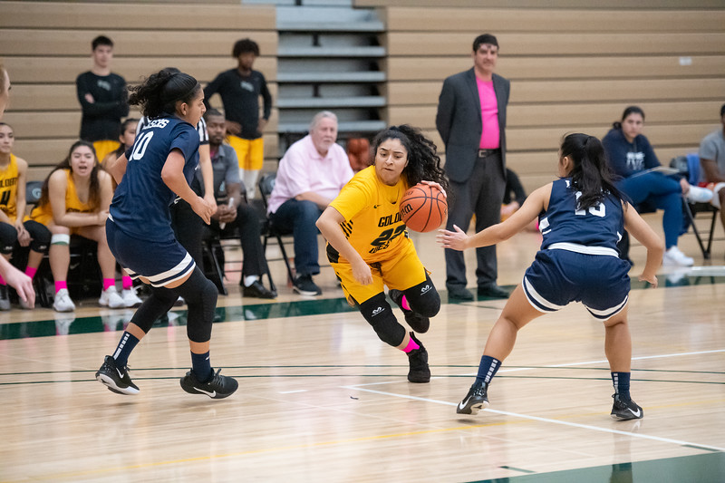 Basketball-W-2020-01-31-7850.jpg