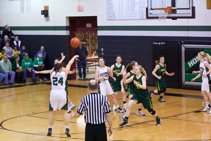 '17 Cyclones Girls Basketball 531.jpg