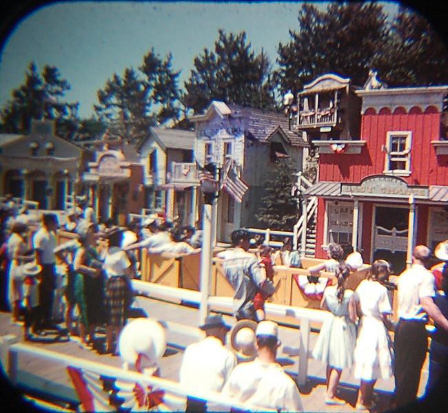 Viewmaster 1959 Mine Train Through Nature's Wonderland ride loading zone.
