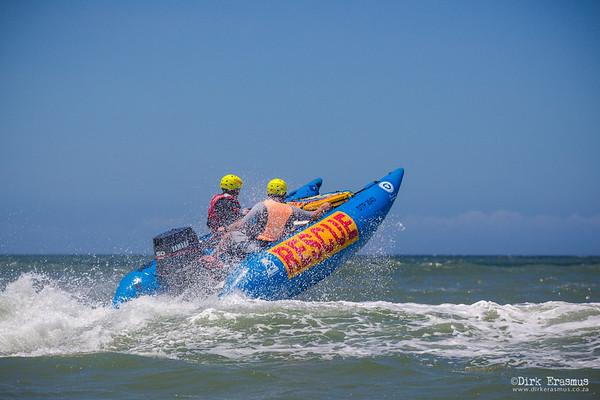 04Dec2016 - Skipper training and surf practice