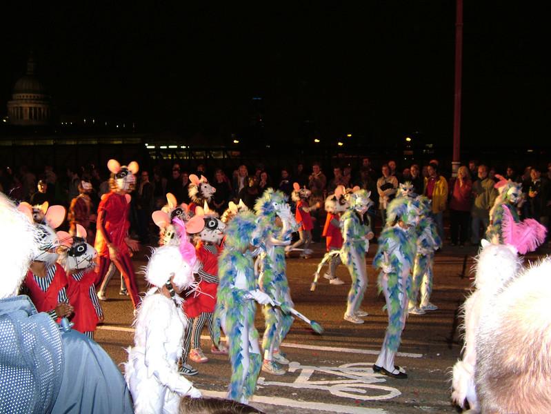 2005_0917thamesfestival010.JPG