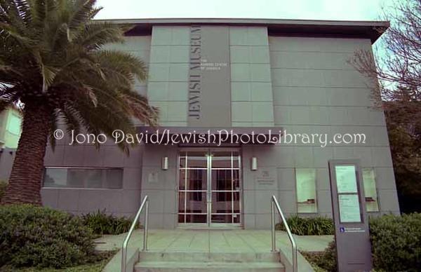 AUSTRALIA, Victoria, Melbourne. Jewish Museum of Australia, Gandel Centre of Judaica. (1999)