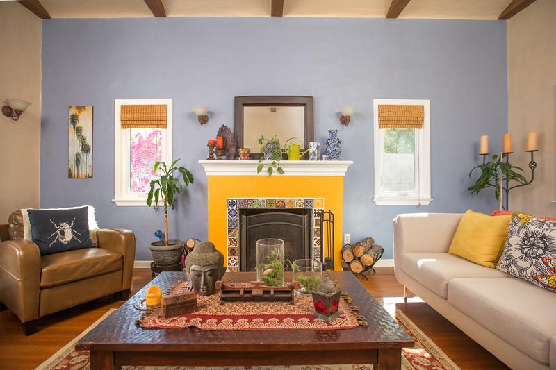 livingroom 3 fireplace.jpg