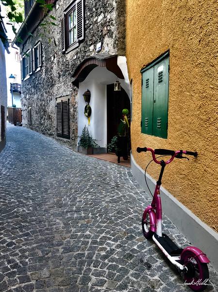 Hallstat cobblestone streets