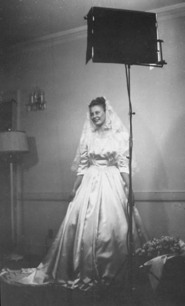 1941 Va wed photo.jpg