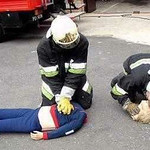 blonde_paramedics.jpg