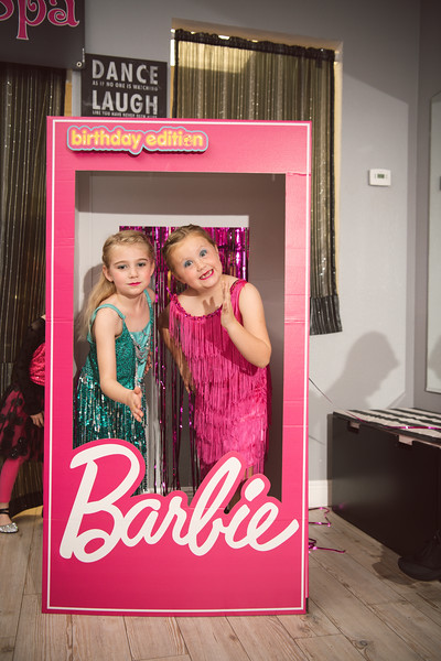 2020-0104-delaney-barbie-party-53.jpg