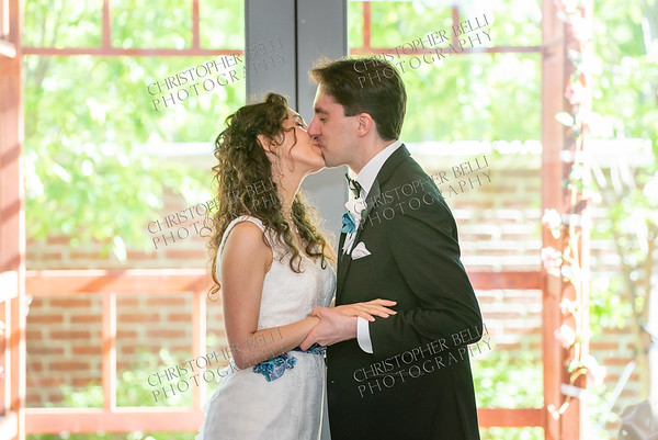 Jessica and Jonathan Tie The Knot