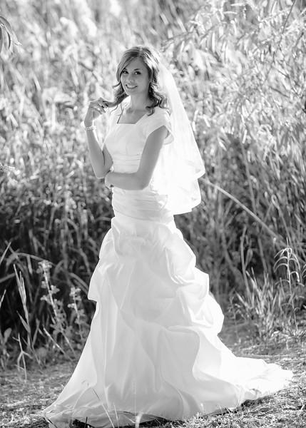 Amy Bridals 029bw.jpg