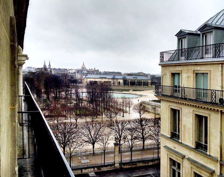 Paris-TuileriesRain-IMG_102146804.jpg