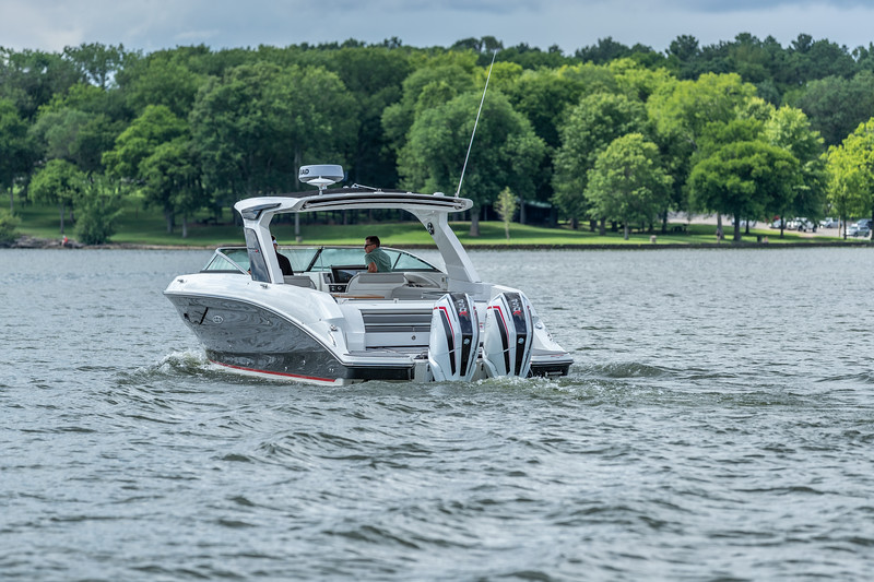 SLX-R-350-Outboard-port-stern-1.jpg