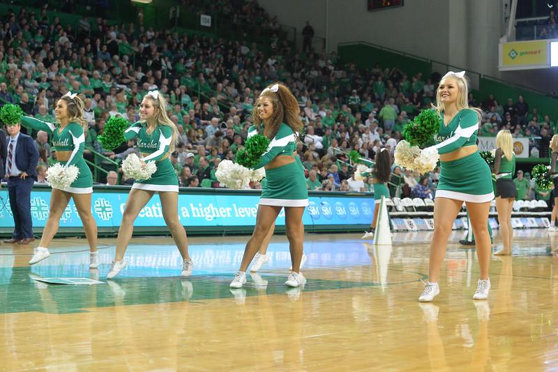 cheerleaders2174.jpg