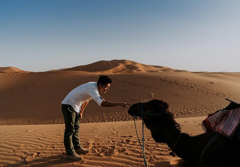 Tu-Nguyen-Destination-Wedding-Photographer-Morocco-Videographer-Sahara-Elopement-382.jpg