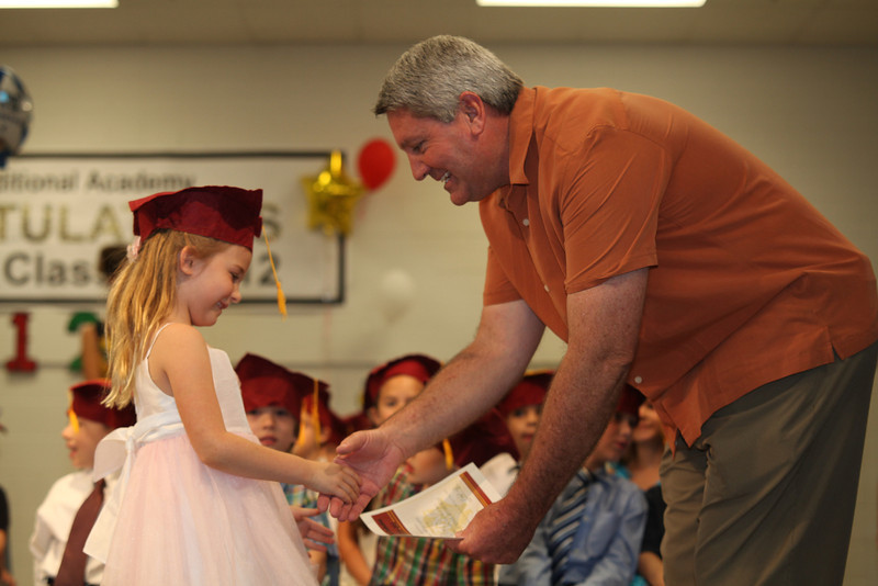 2012May18_MTA Kinder Grad_9701.JPG
