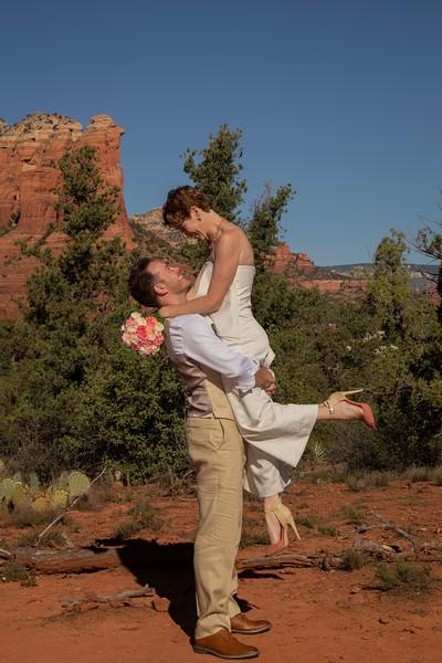 Gina & James' Sedona Wedding