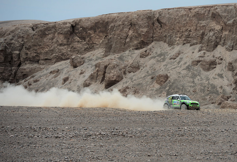. Stephane Peterhansel and co-driver Jean Paul Cottret of team Mini compete in stage 6 from Arica to Calama during the 2013 Dakar Rally on January 10, 2013 in Arica, Chile.  (Photo by Shaun Botterill/Getty Images)