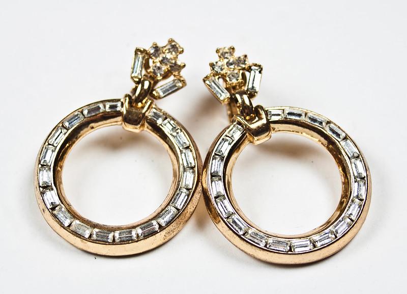 O_earrings.jpg