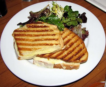 13 Gypsies Jacksonville grilled cheese.jpg