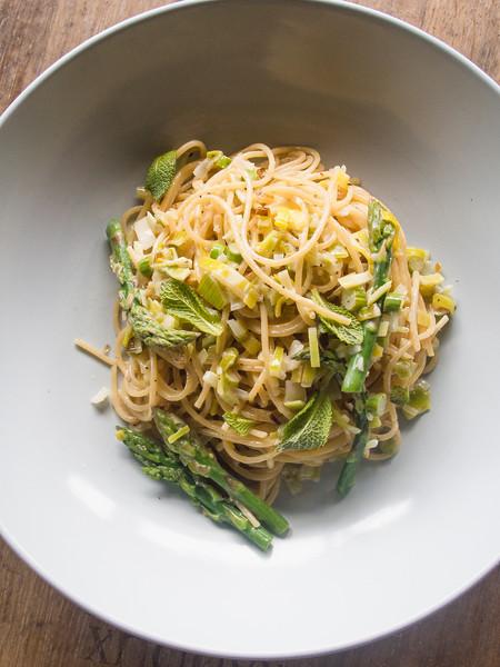 asparagus pasta on barrel 5.jpg