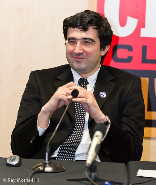 Vladimir Kramnik relaxes in the commentary room after winning the London Chess Classic