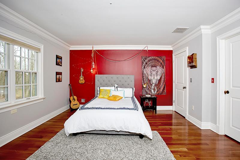 INSIDE HOUSE11805.jpg