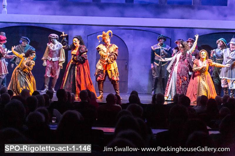 SPO-Rigoletto-act-1-146.jpg