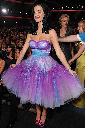 Katy-Perry-at-2011-Peoples-Choice-Awards.jpg