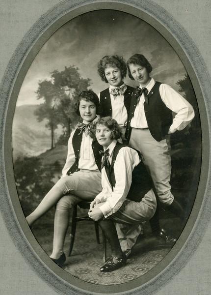 1900-1950 Chris's Family-3.jpg
