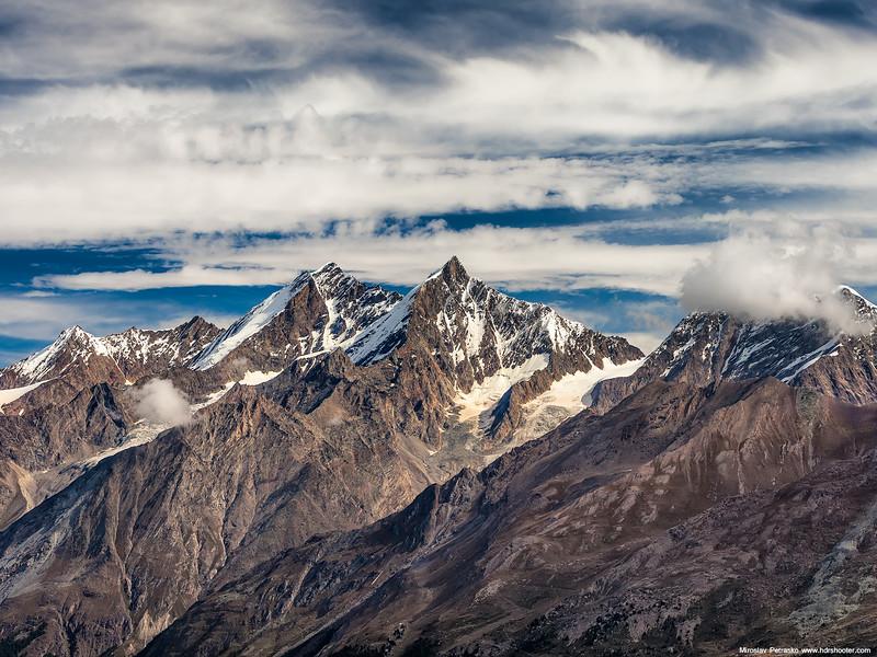 Alpine-peaks-1600x1200.jpg