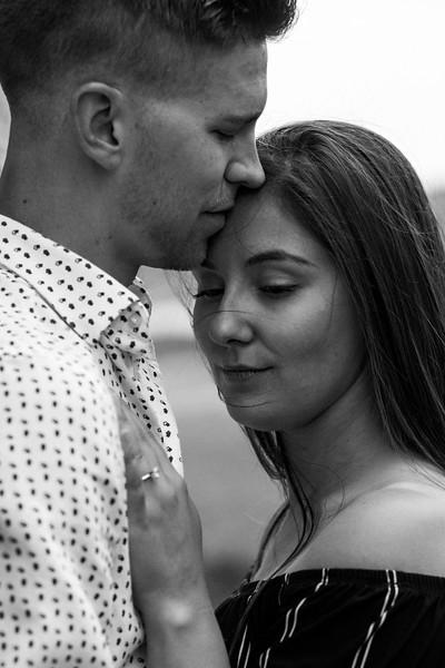 Laura&Dallon-Engagement20200605-47.jpg
